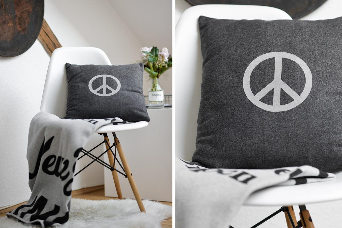 diy kissen mit folie versch nern mxliving. Black Bedroom Furniture Sets. Home Design Ideas