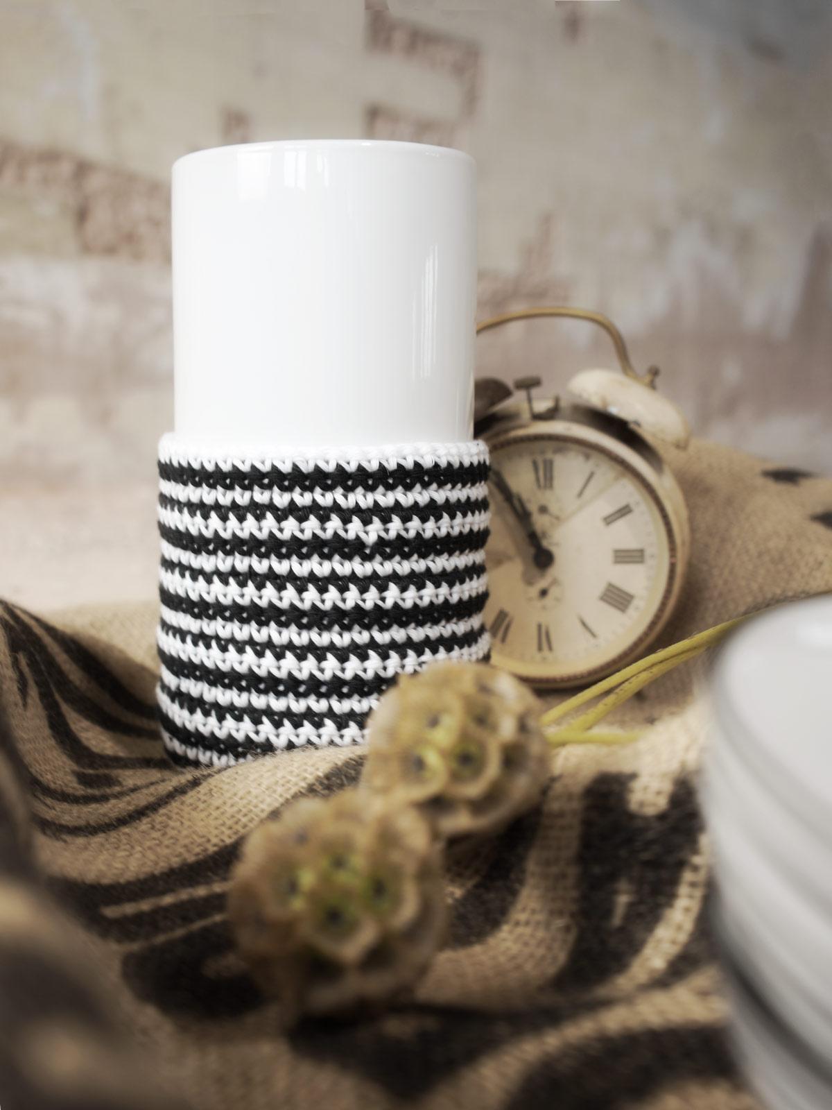 diy deko in schwarz wei gestreift mxliving. Black Bedroom Furniture Sets. Home Design Ideas