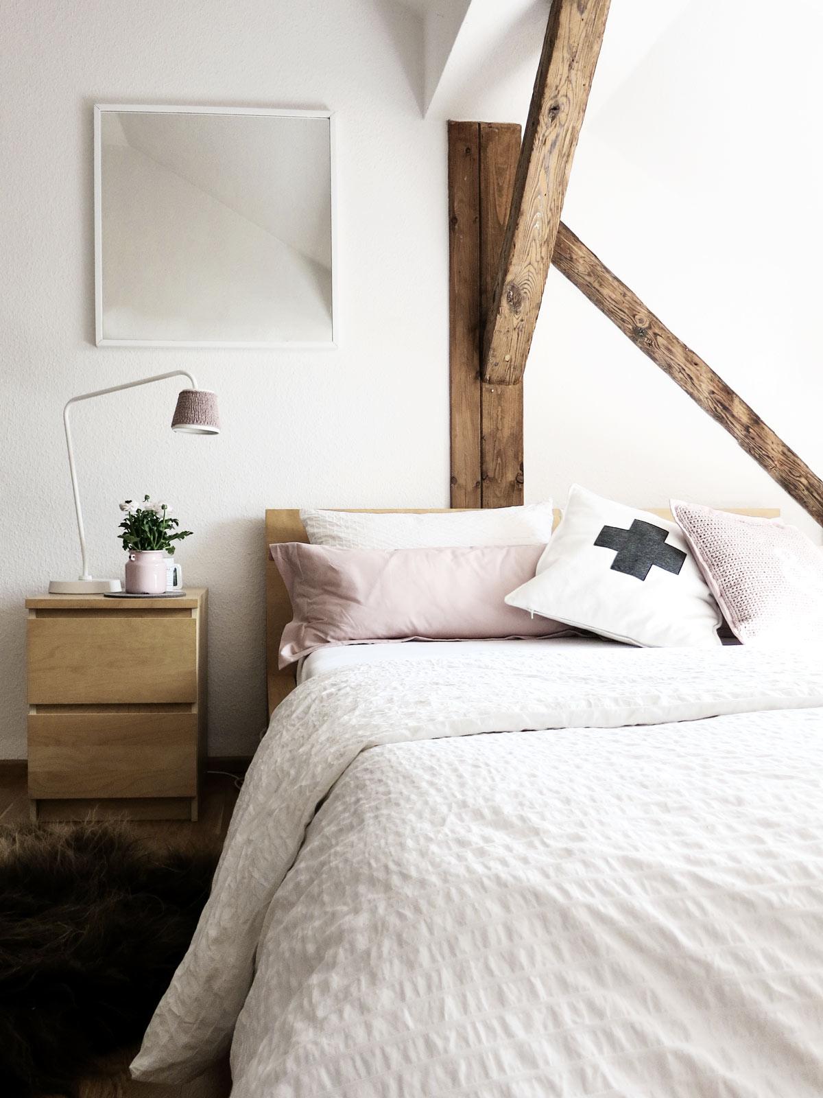 diy kissen selber h keln und kissenbez ge mit hotelverschluss n hen oder der rosa virus. Black Bedroom Furniture Sets. Home Design Ideas