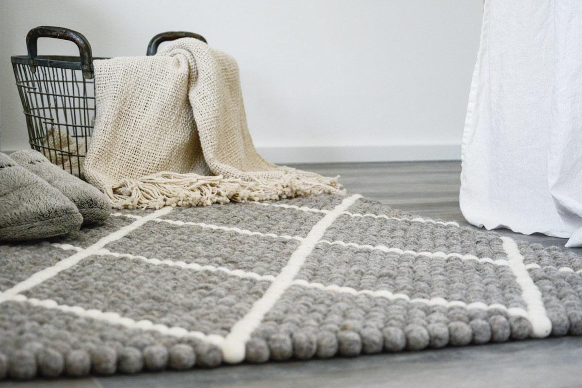 filzkugel teppich selber machen amazing mein neuer ist. Black Bedroom Furniture Sets. Home Design Ideas
