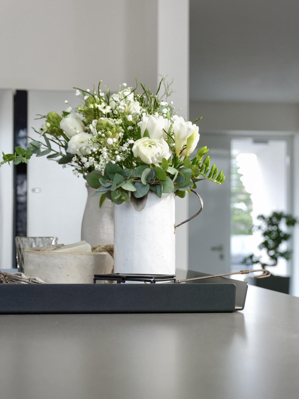 Dekoration praktisches Tablett für die Kücheninsel mxliving
