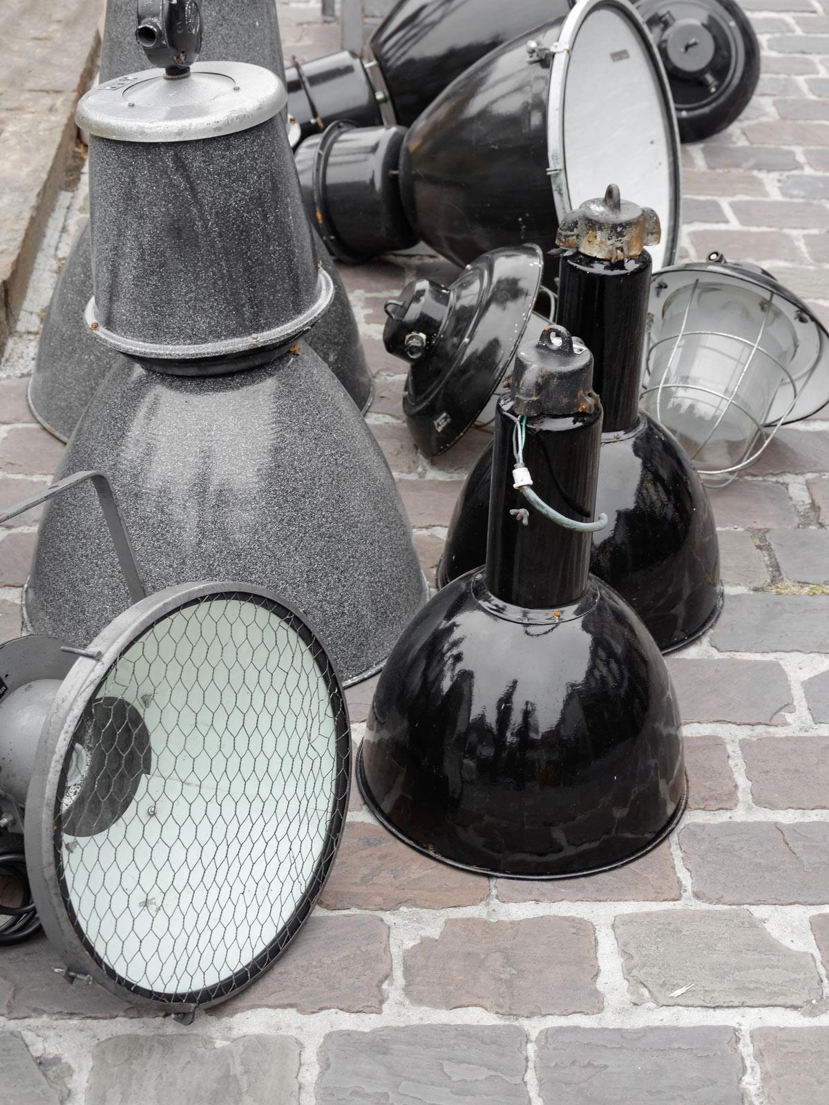 sonntagsausflug nach tongeren der gr te flohmarkt belgiens mxliving. Black Bedroom Furniture Sets. Home Design Ideas