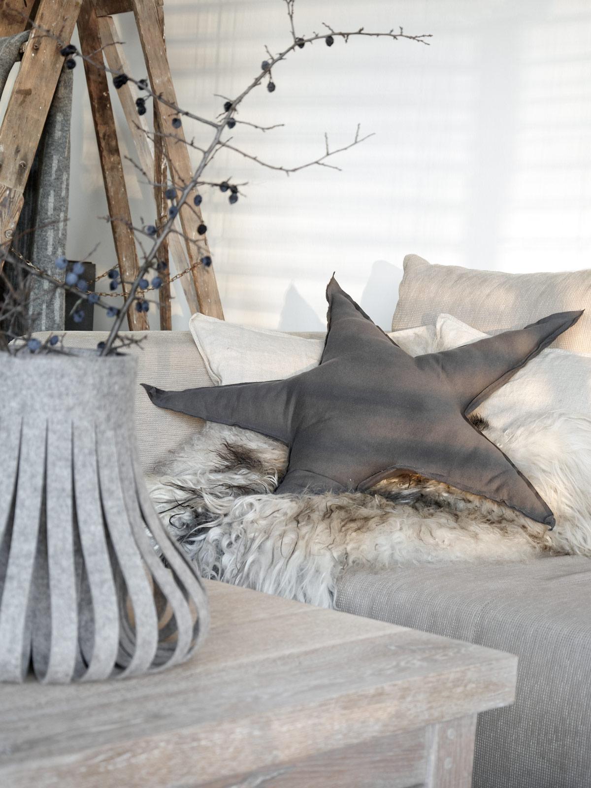 sternkissen-aus-jersey-auf-der-couch