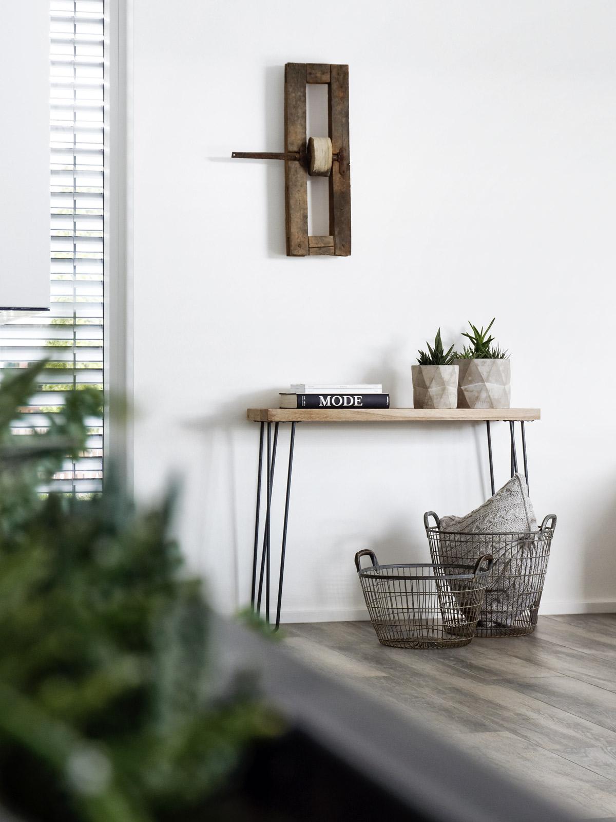 diy schnell gemachte konsole mit hairpin legs mxliving. Black Bedroom Furniture Sets. Home Design Ideas