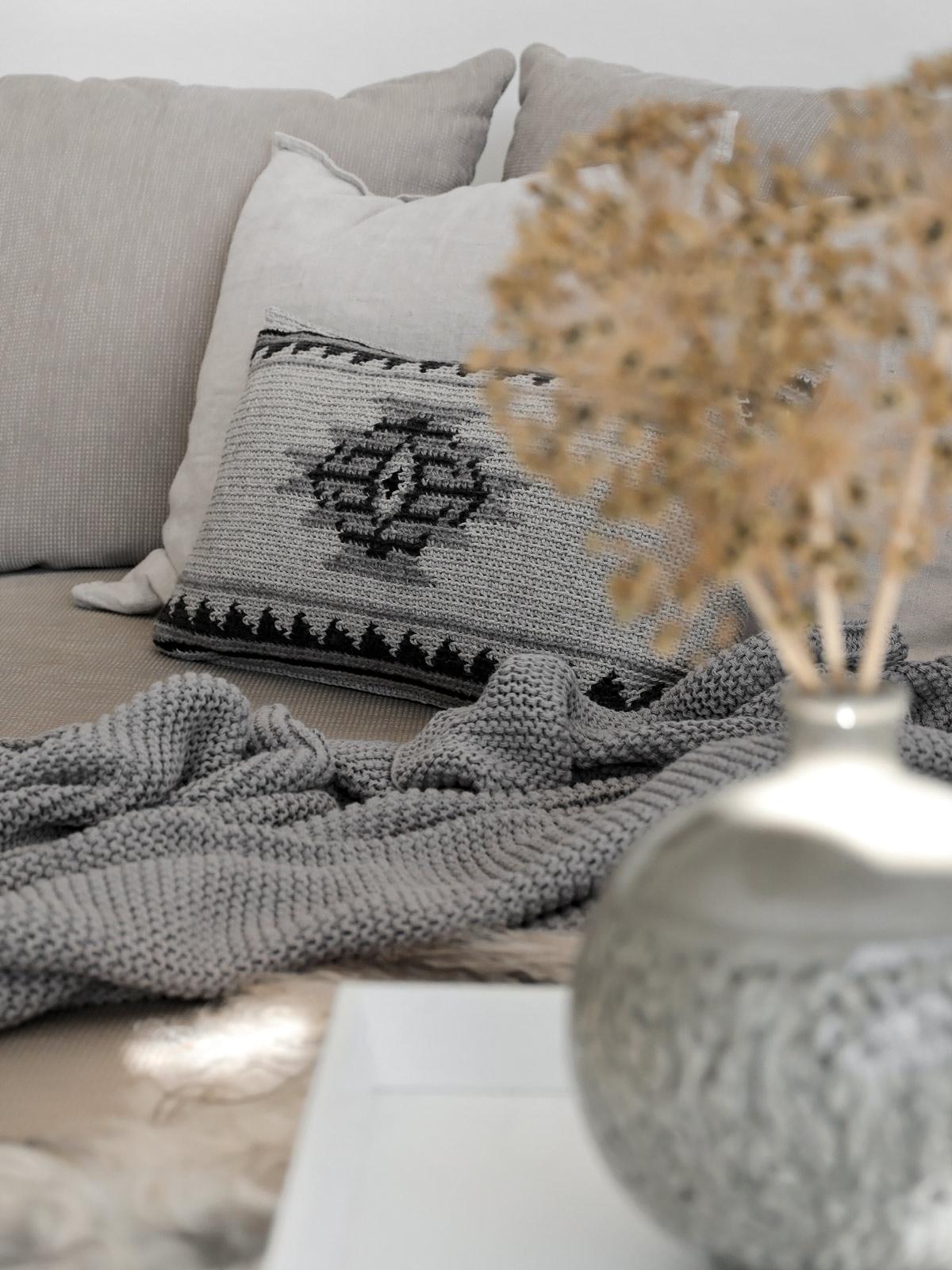 DIY | Kissenhülle im Ethnomuster aus Wollresten - mxliving