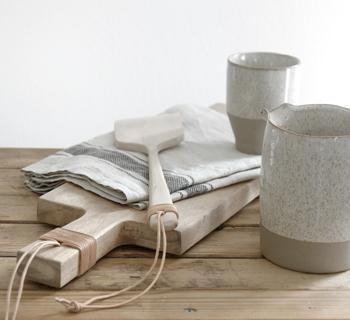 DIY | Holzgriffe mit Lederband